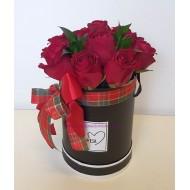 Рози в цилиндър