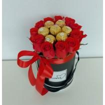 Букет от цветя и бонбони Фантазия