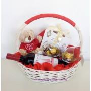 Подаръчна кошница Обичам те