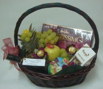 Подаръчна кошница Плодове и вино