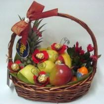 Кошница с плодове Плодове и шоколад